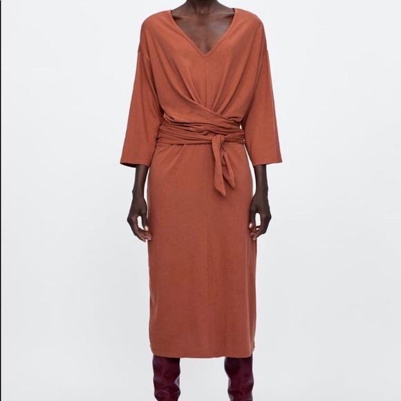 Zara Dresses & Skirts - Make An Offer=Zara Box Midi Dress